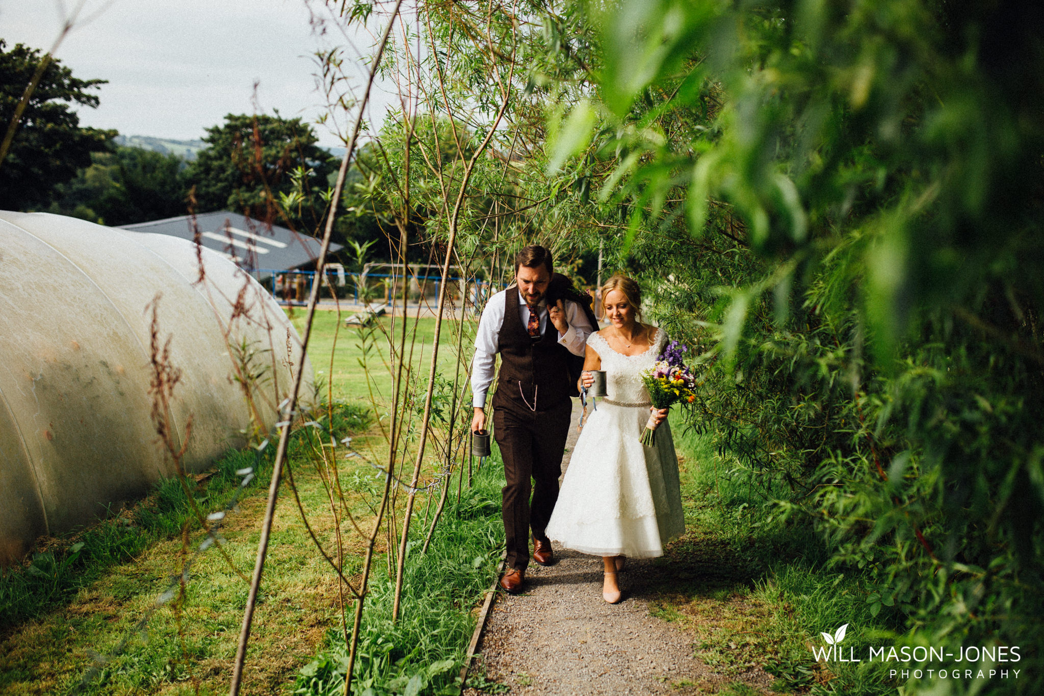 pen-y-banc-farm-tipi-wedding-decoration-photography