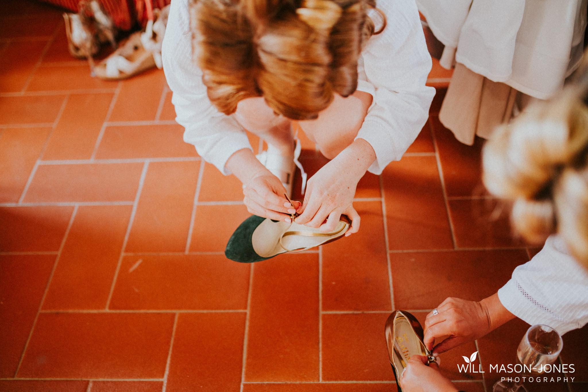 Borgo Il Castagno tuscany Italy villa destination wedding bridal preparations photography