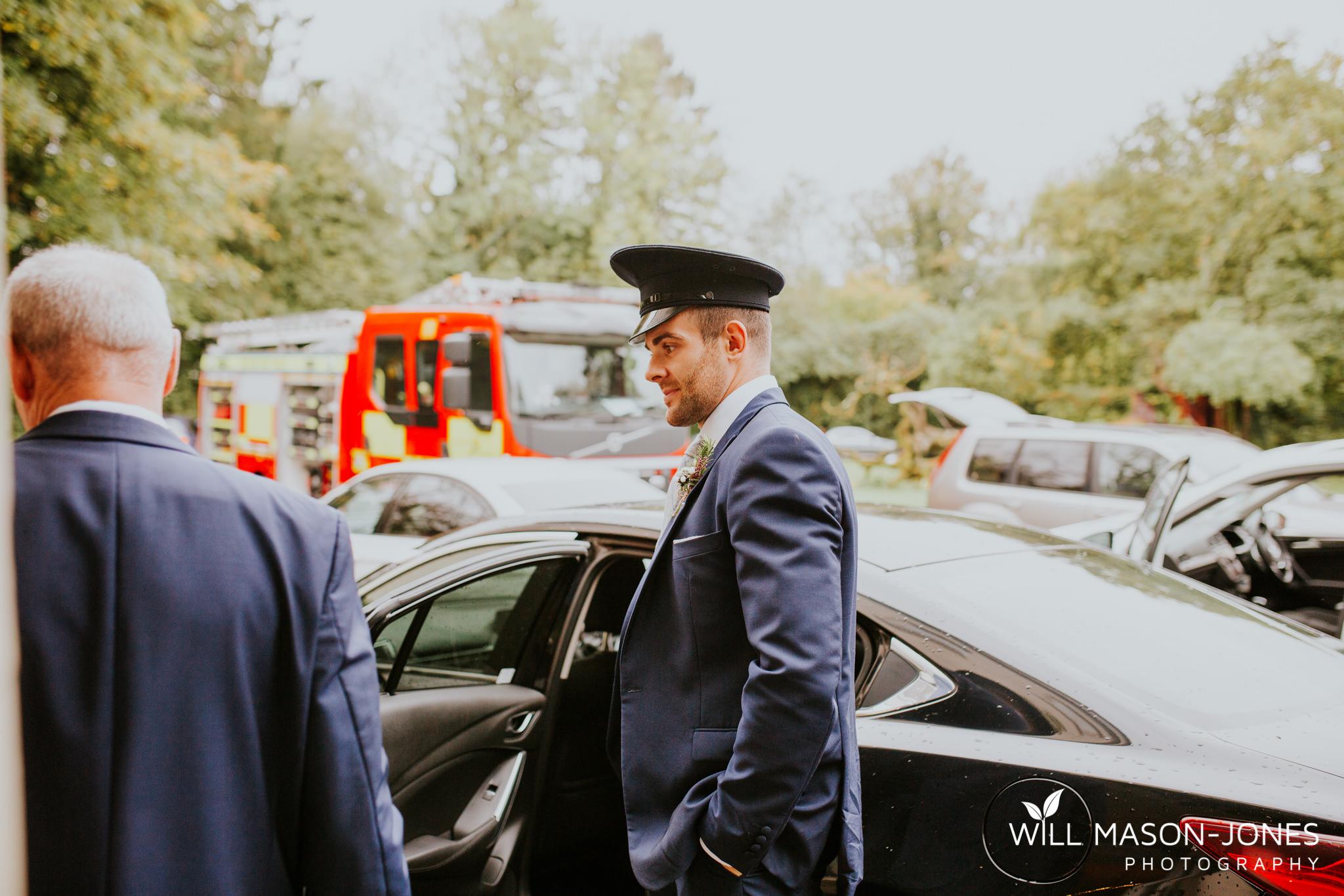 plas-glansevin-wet-rainy-bridal-wedding-preparations-swansea-photographers-16.jpg