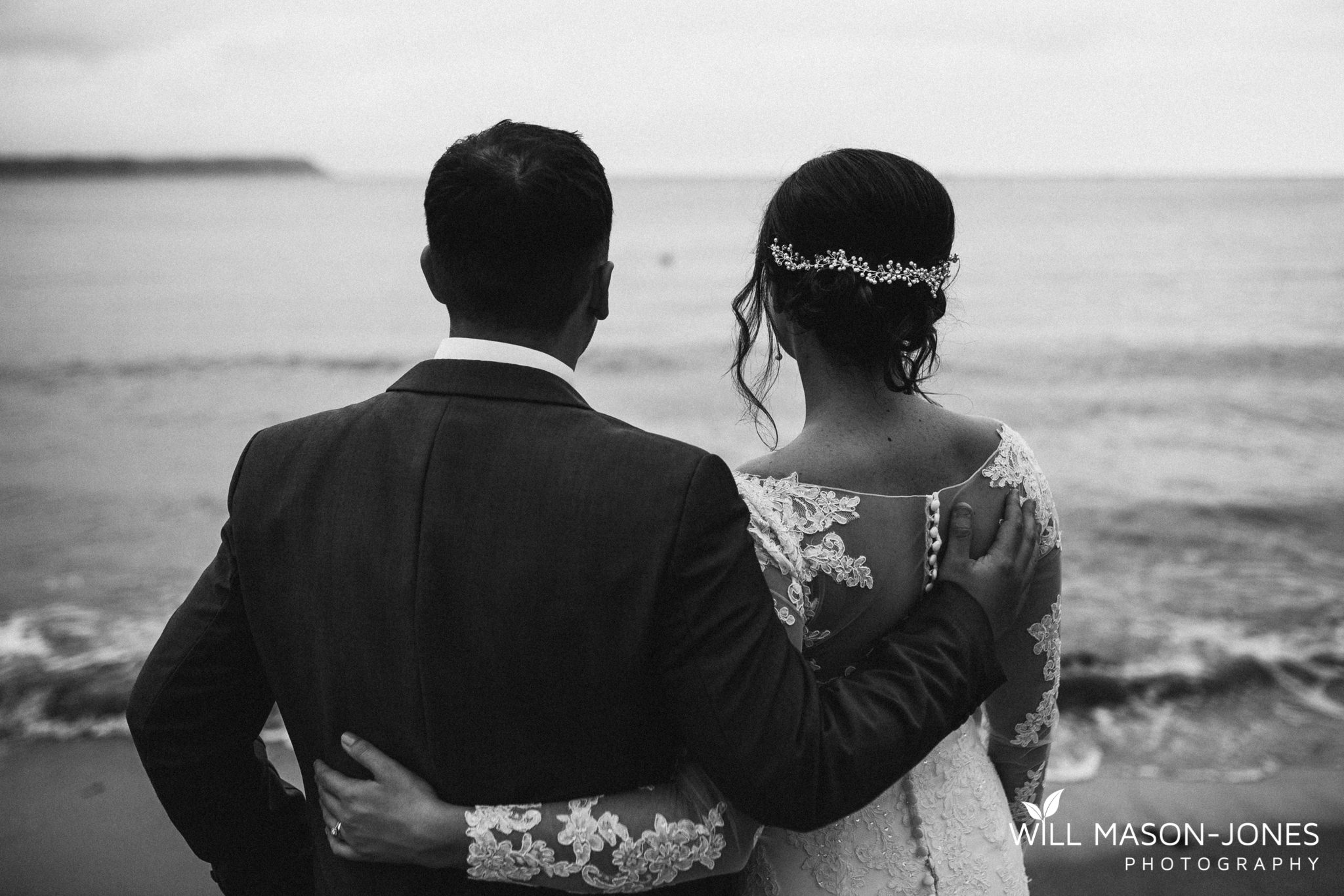 oxwich-bay-hotel-swansea-wedding-sunset-beach-natural-relaxed-photographers-10.jpg