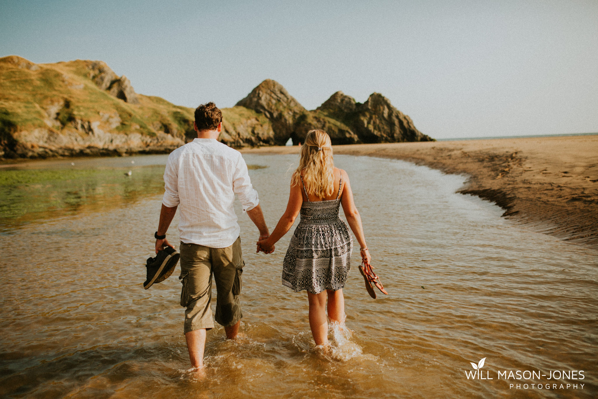 three cliffs bay couple engagement photos photography swansea