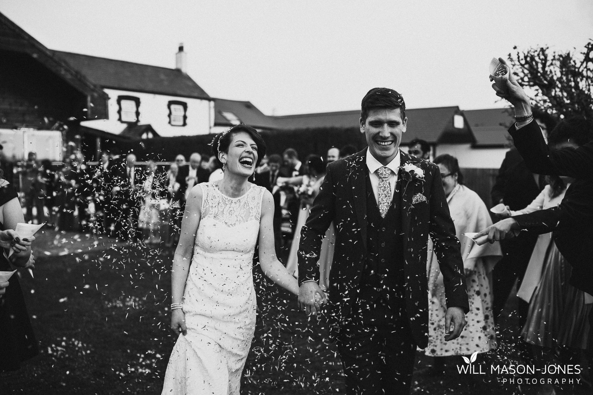 llanerch vineyard cardiff confetti colourful photography
