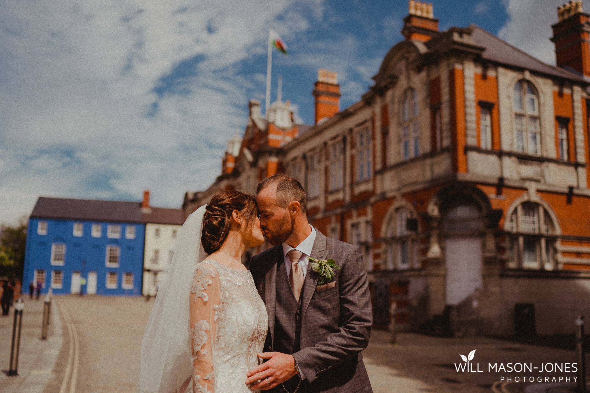colourful relaxed couple portrait photography at morgans hotel swansea