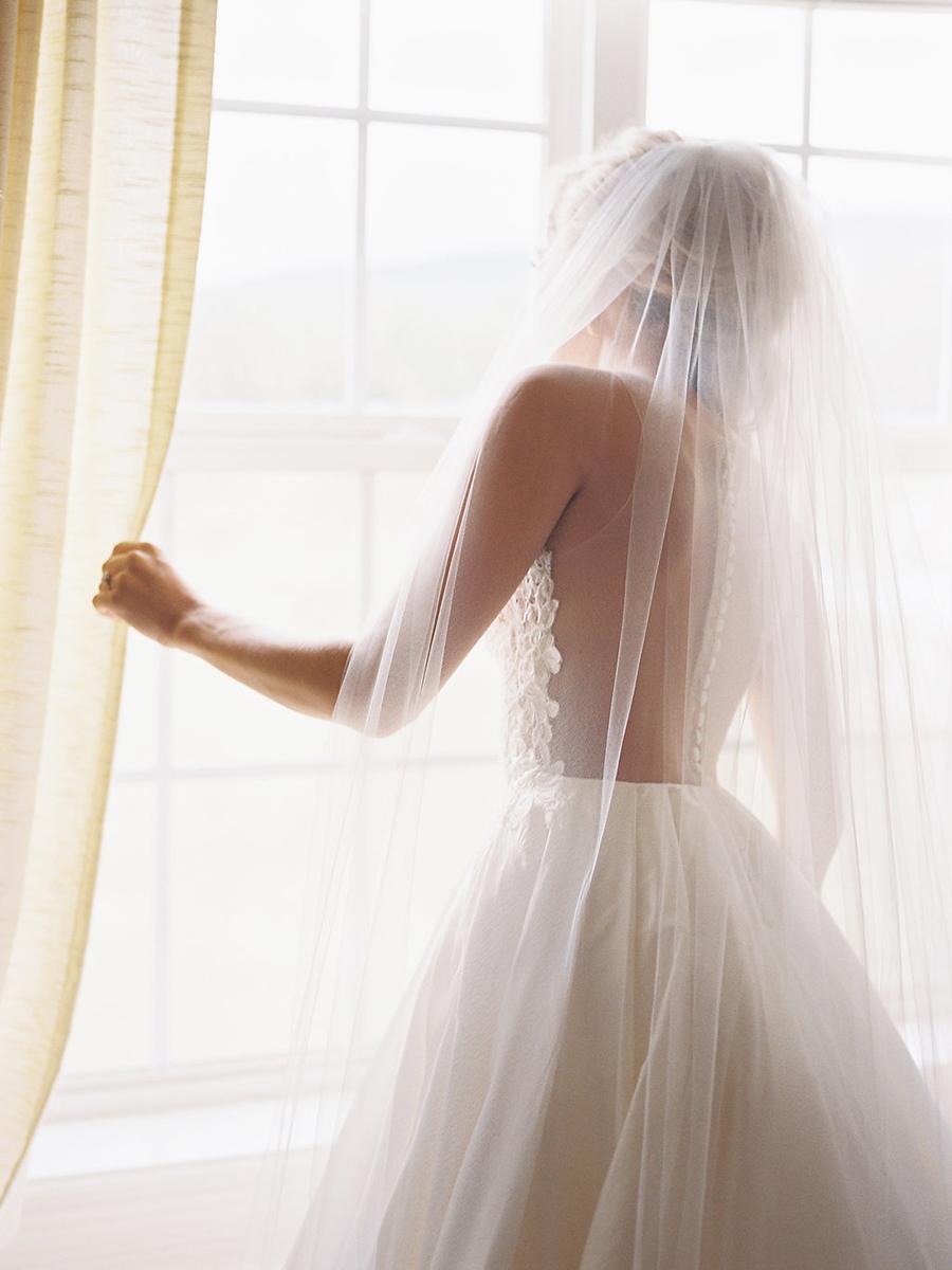 4-country-wedding-style-dan-shay.jpg