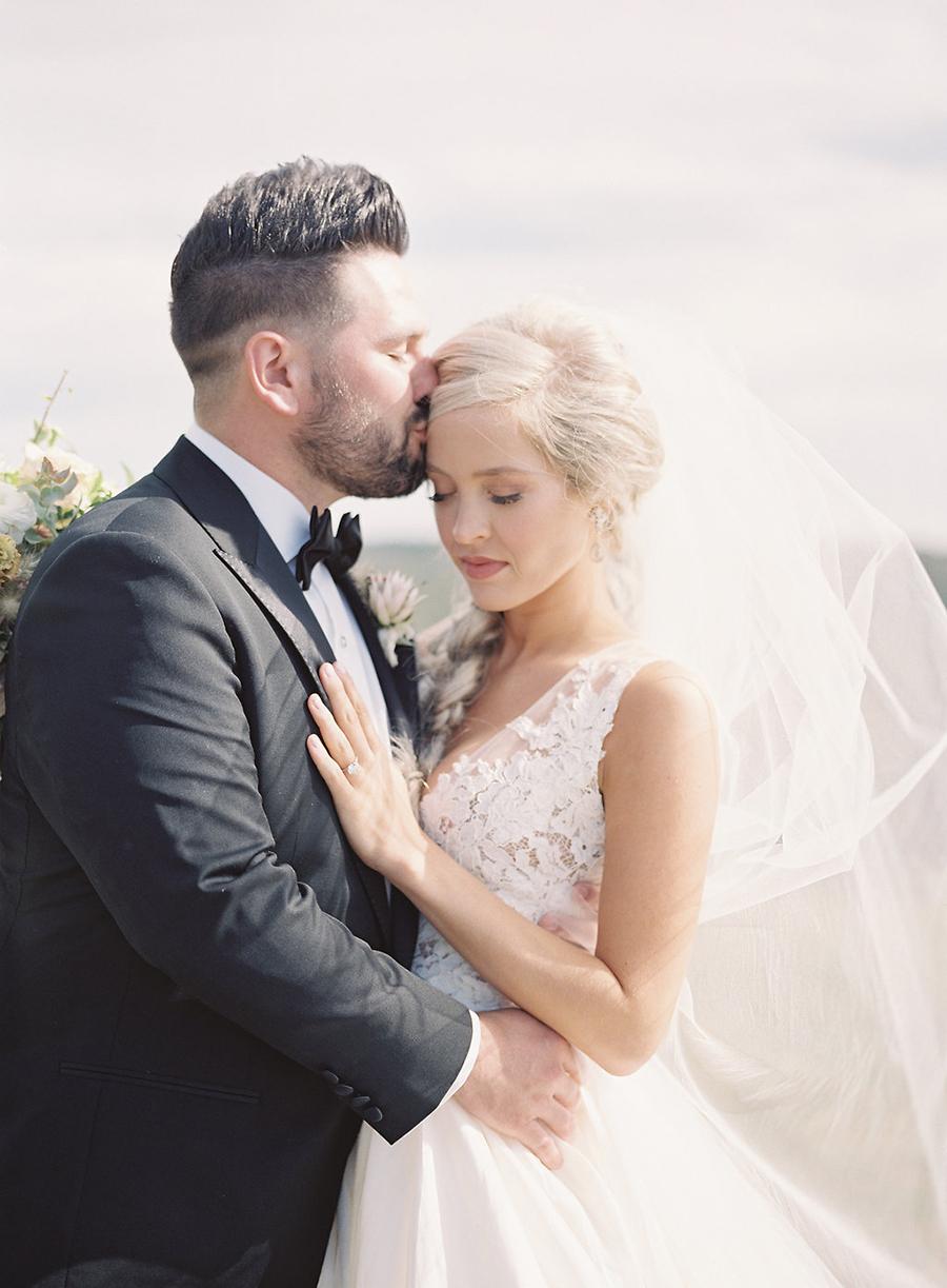 10-country-wedding-style-dan-shay.jpg