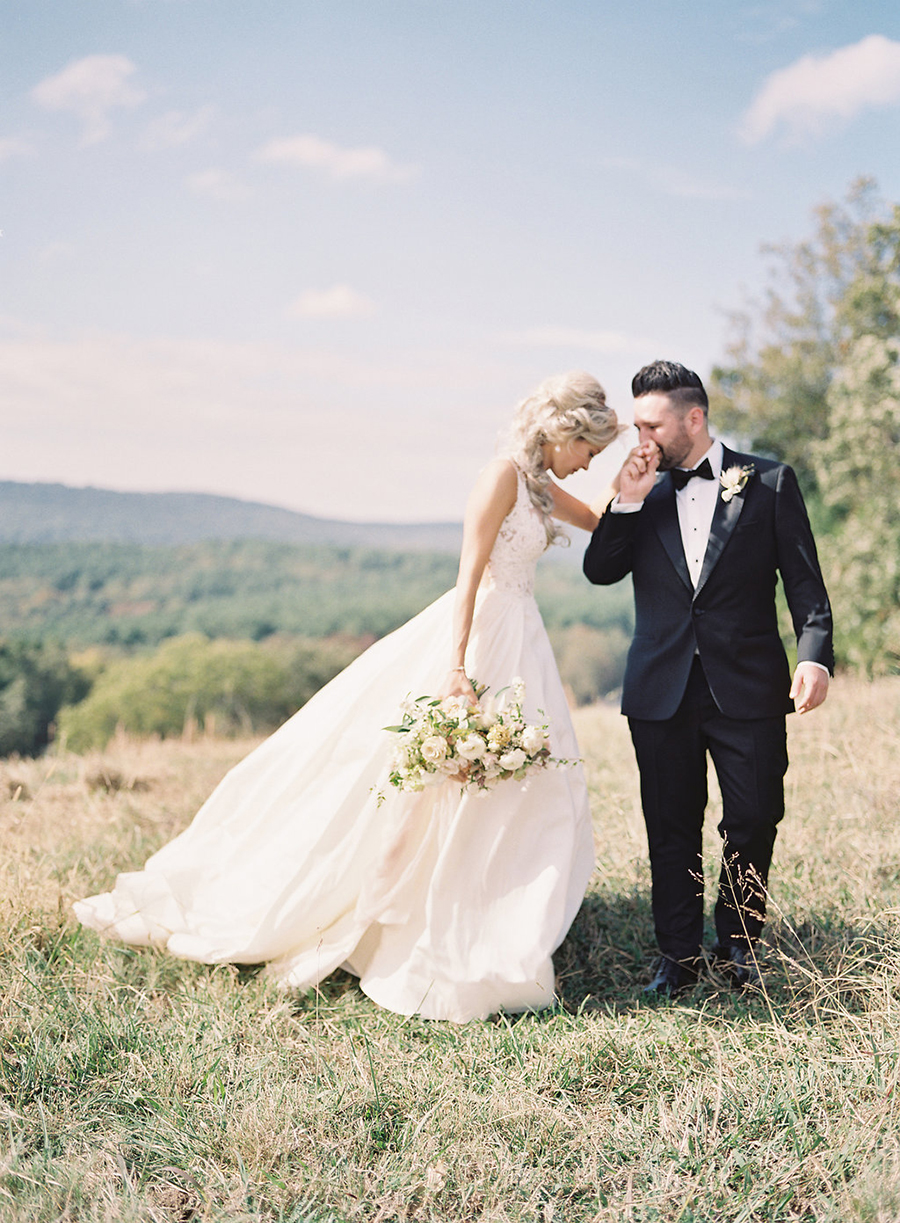 11-country-wedding-style-dan-shay.jpg