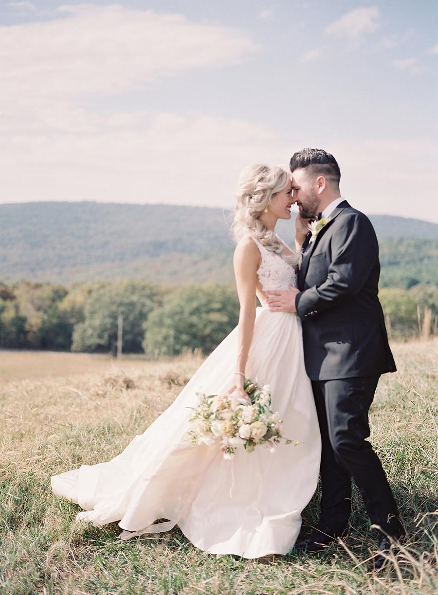 12-country-wedding-style-dan-shay.jpg