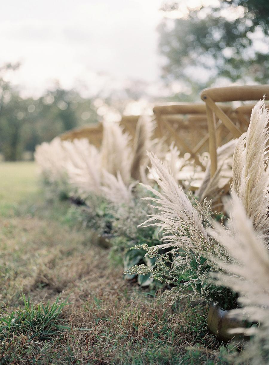 17-country-wedding-style-dan-shay.jpg