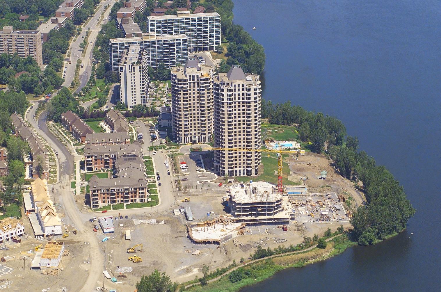 Condos en construction, Ile des Soeurs, Montreal