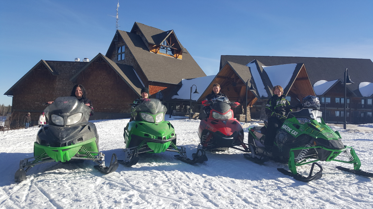 NWB_EKR_WinterActivities_Snowmobile.jpg