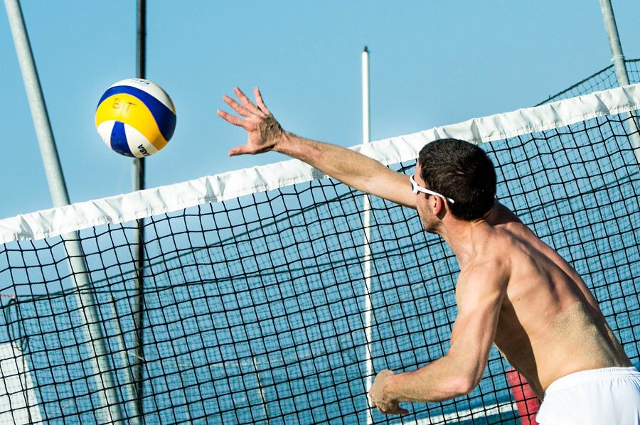 beach-volleyball-499984_1920.jpg