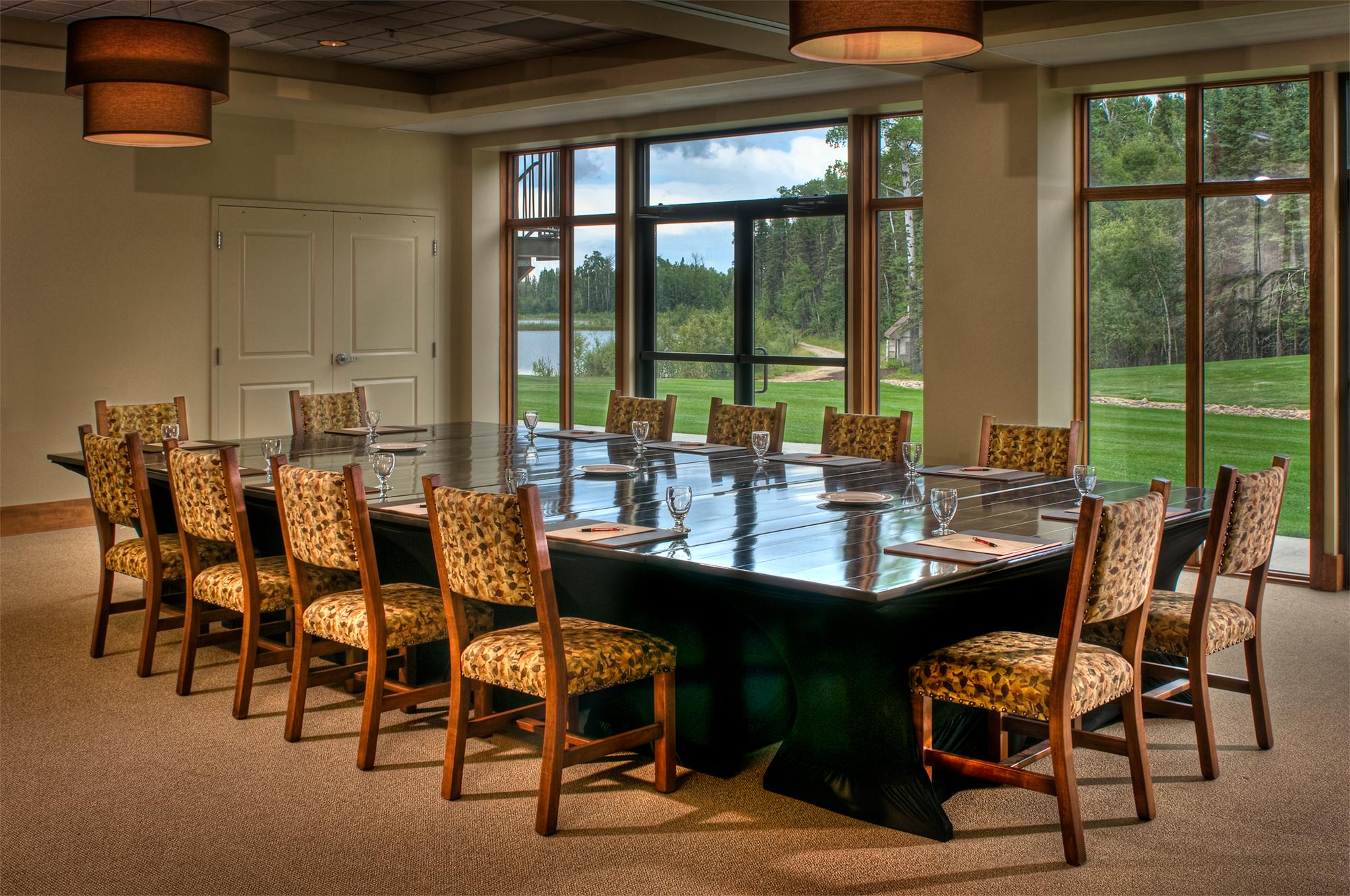 Elk-Ridge-Resort---Meeting-Room.jpg