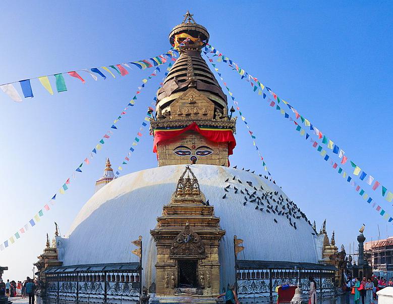 1200px-Swayambhunath_2018.jpg