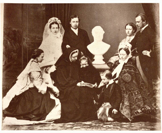 0221 - Craft Club; Victorian portraits.jpg