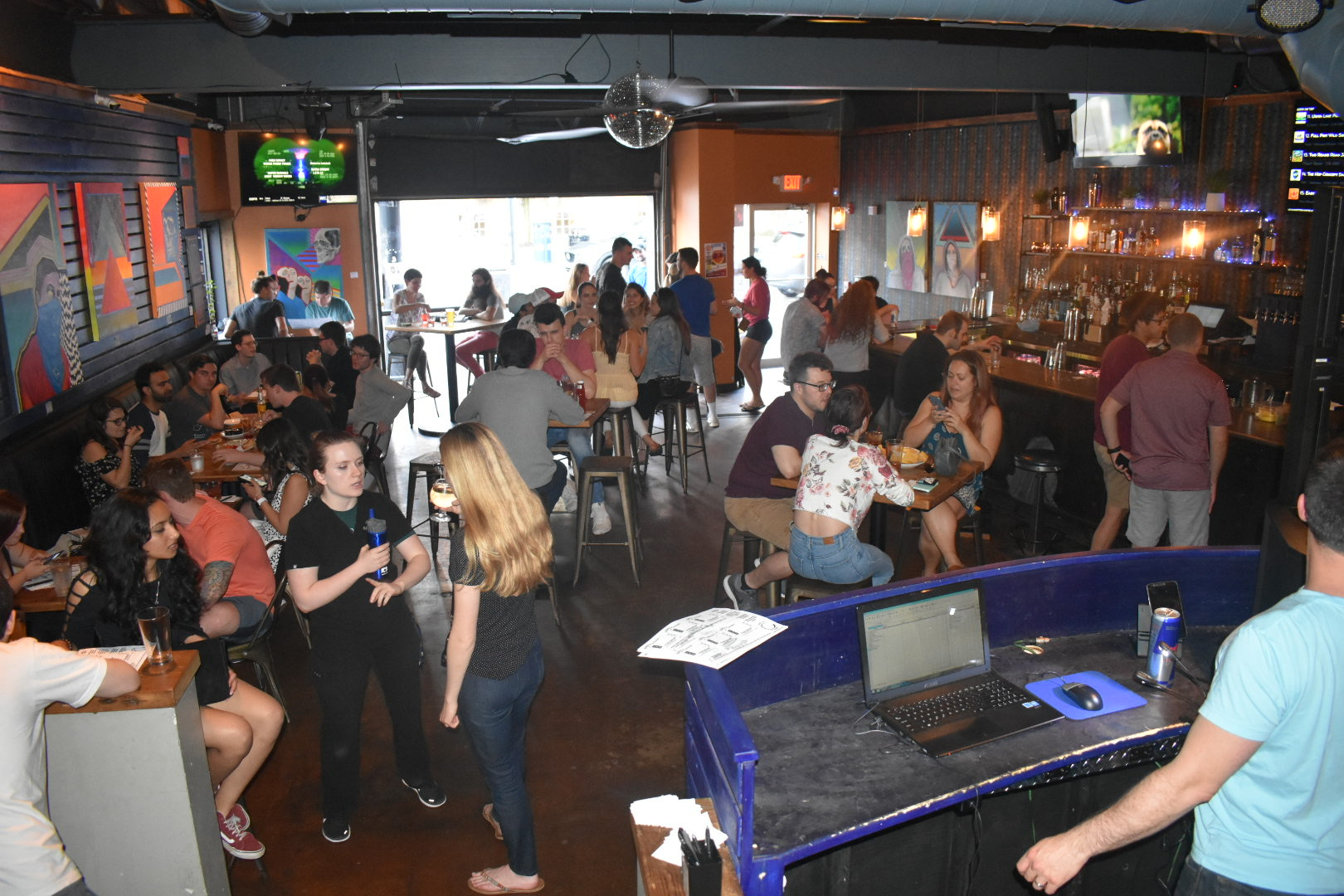 bar crowd.JPG