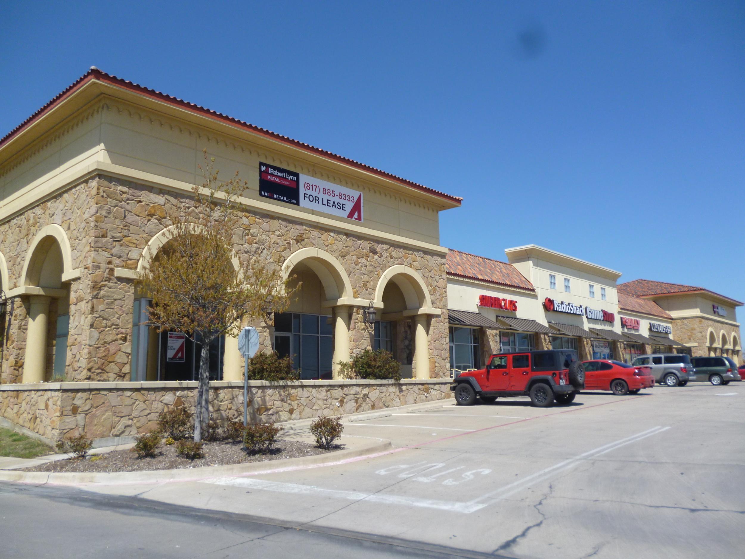 Hawk's Creek Center   500-568 Alta Mere Dr, Fort Worth, TX
