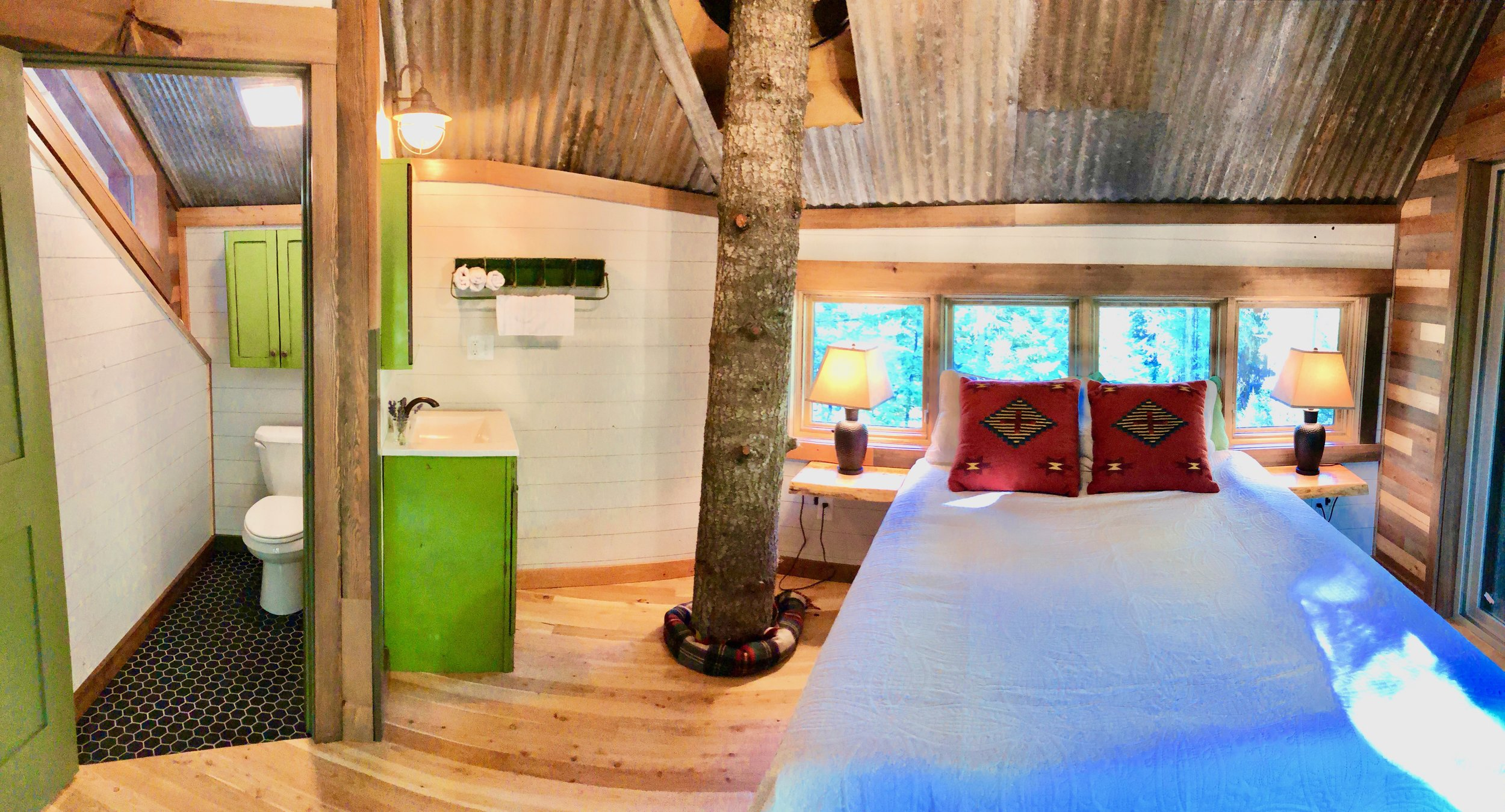 Montana Treehouse Retreat Master Suite