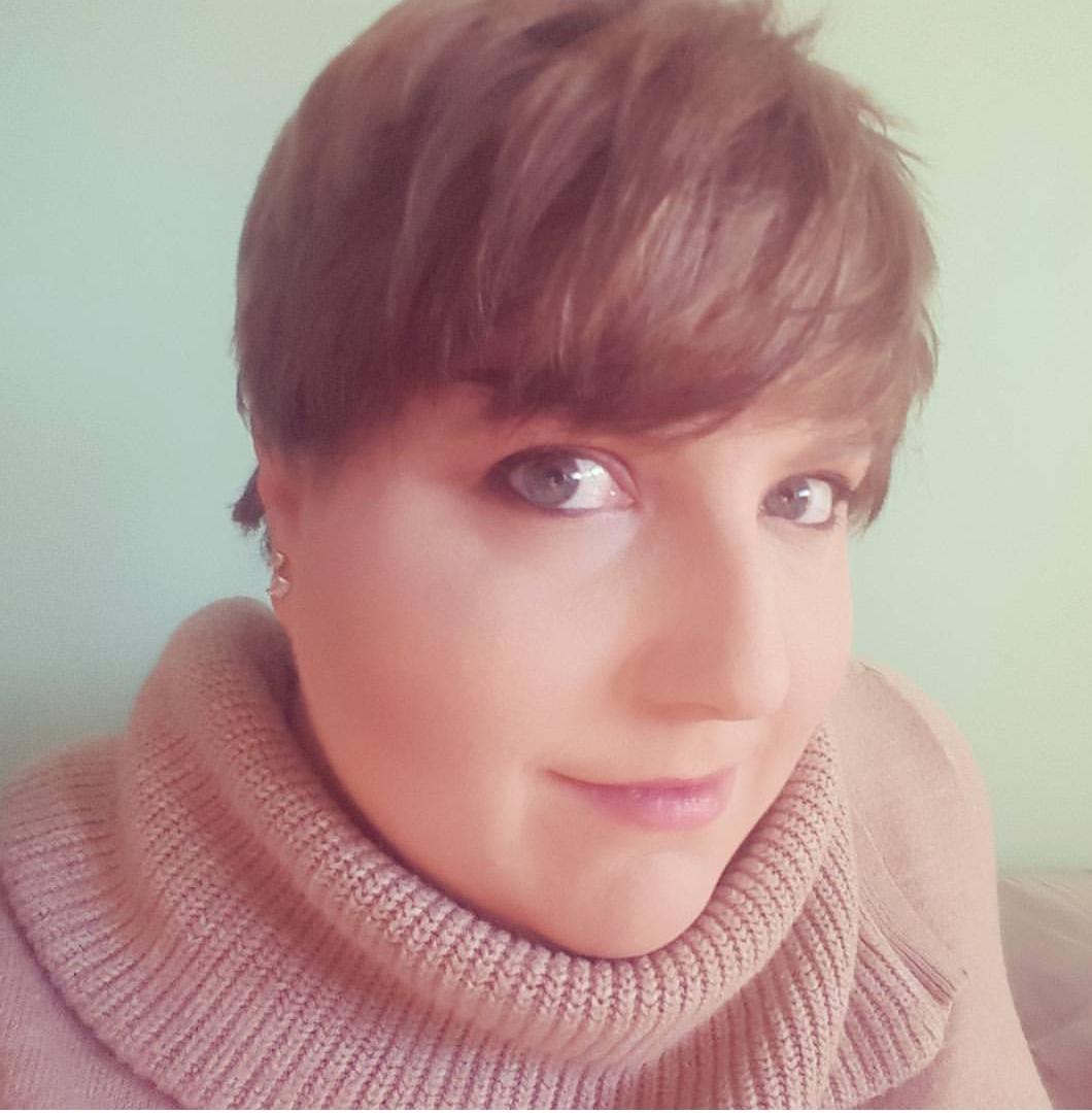 Stefanie Headshot.jpg
