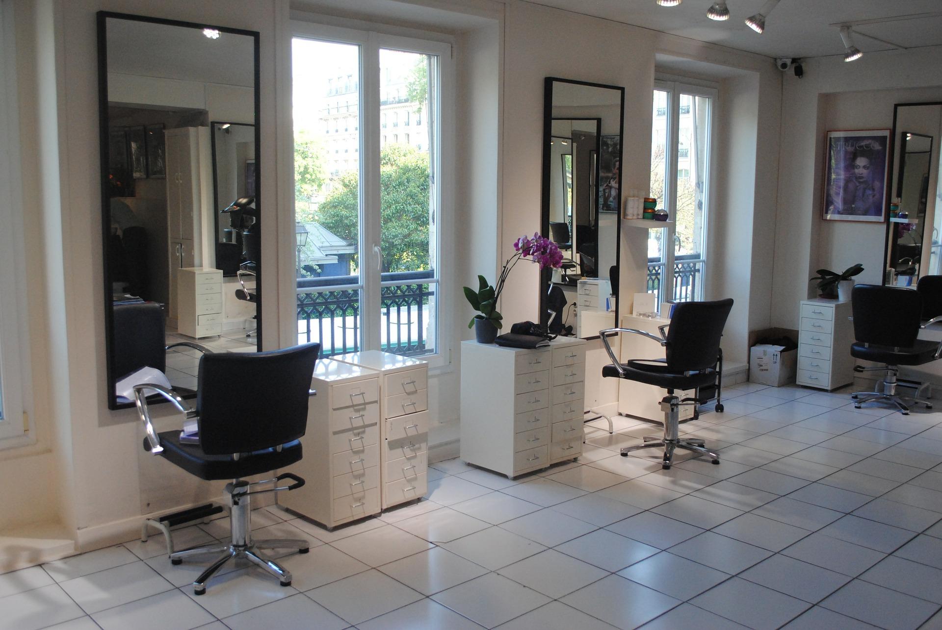 hairdresser-489915_1920.jpg