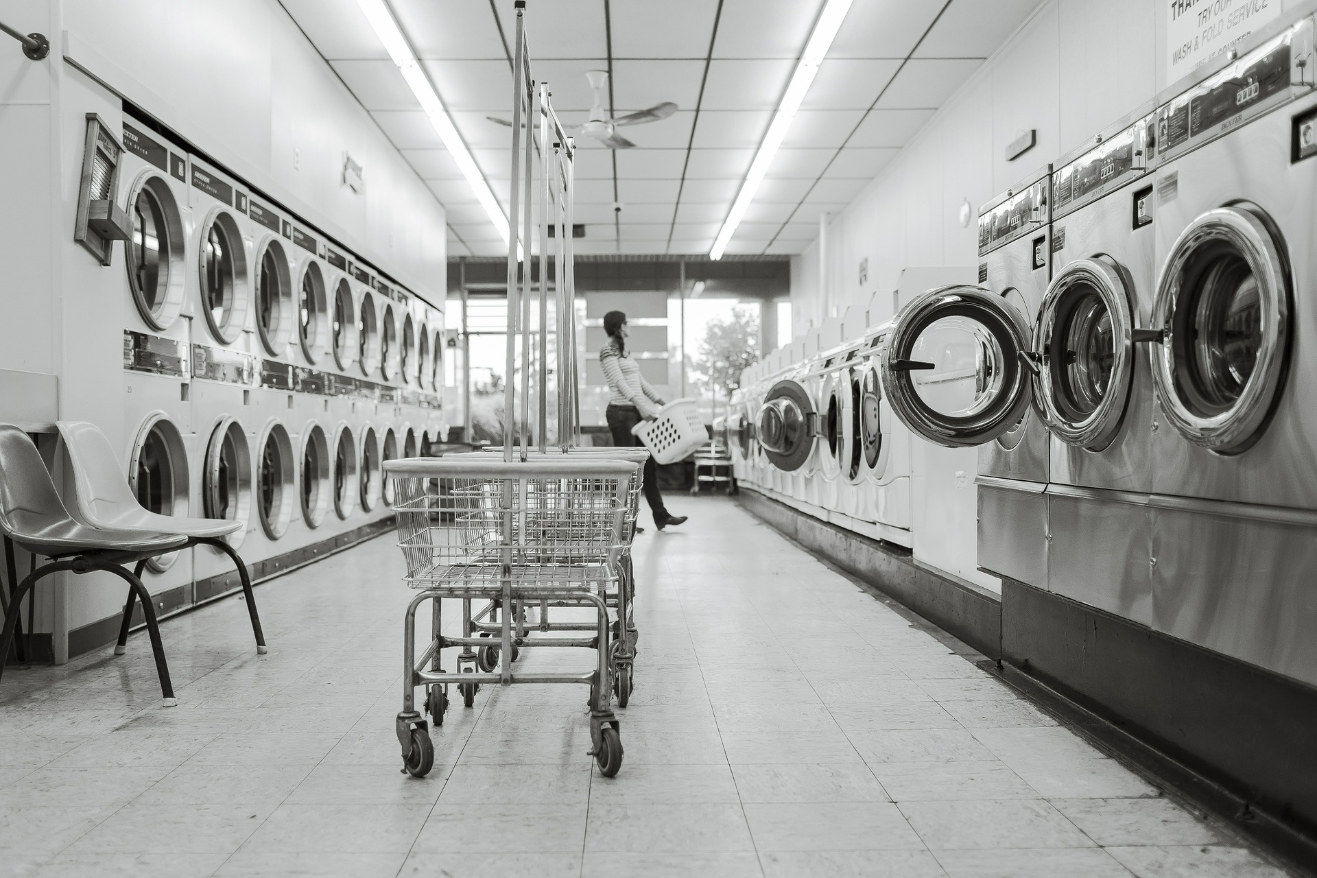 laundry-saloon-567951_1920.jpg