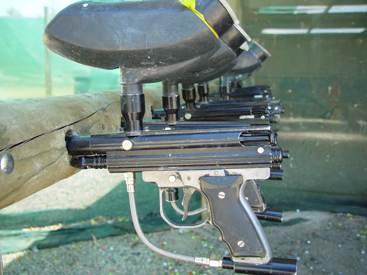 guns-387182_1280.jpg