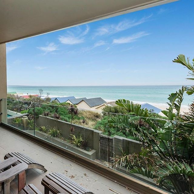 Holiday views all year round at this stunning rental 👀 4 🛏 3 🛀 3 🚗 $1700 per week  Listed by Jellis Craig Brighton