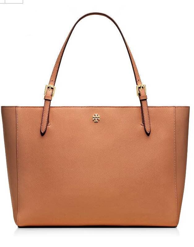https://www.toryburch.com/york-buckle-tote/22149613.html?cgid=handbags-totes&dwvar_22149613_color=401&start=58