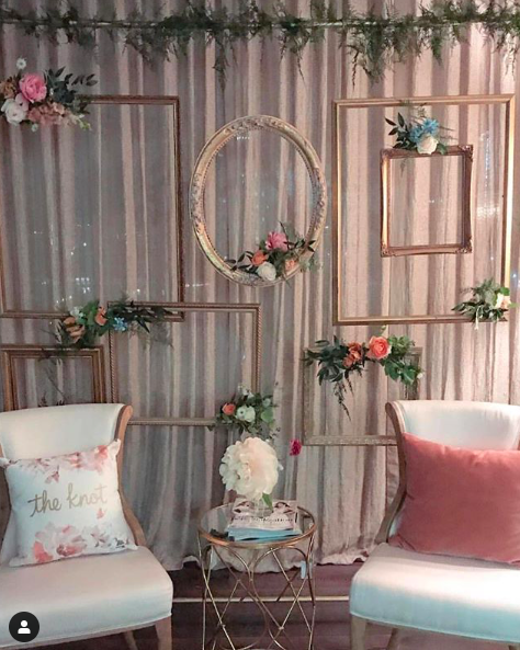 VINTAGE FRAME BACKDROP