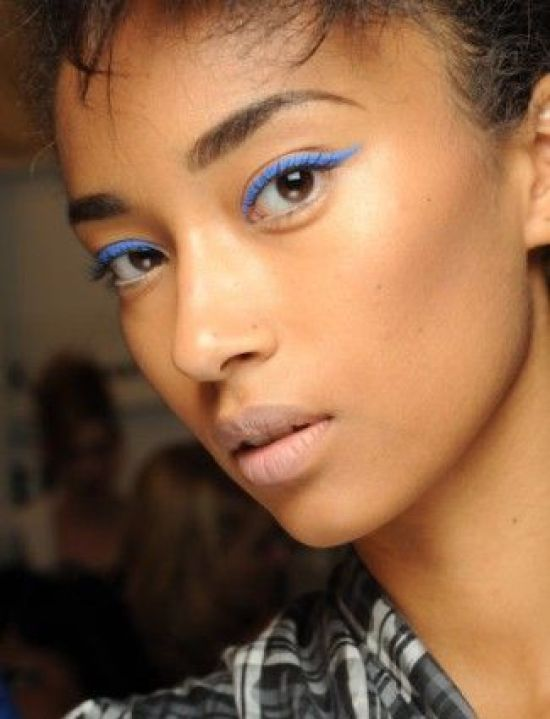 One of the seasons top-trends is using a bright and bold eyeliner. Say goodbye to those dark browns and blacks; hot pink and a neon blue are the way to go this season. Such a fun and different look!  (Source)