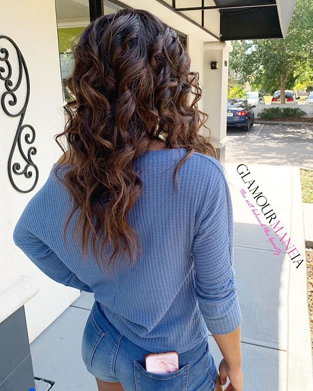🎓 It's graduation season and all our graduates are shining bright! ✨ #GlamourMANEia #hairbyEshe #HarvardBound / . . . . . . . . . . . #naturalhair #longhair #hairgrowth #longnaturalhair #protectivestyles #naturalstyle  #extensions #curlyhair #healthyhair #loosewaves #customcoloredextensions #classof2019 #Graduationseason