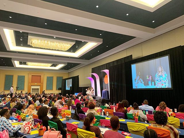 Had a fantastic time this weekend at the Women's Success Conference with @staciapierce and @aritheheiress!! They dropped so much information and so many keys to #WealthAndWellnes that I'm super pumped to elevate my mind, body and bank account! #womenssuccessconference #staciasuccessconference #womeninbusiness . . . . . . . #business #businesswoman #entrepreneurlife #businesslife #businesscoach #beautybusinesscoach #womeninbusiness #women #entrepreneurs #womeninbiz #femaleentrepreneur #girlboss #womensupportingwomen #ladyboss #bosslady #bossbabe #womenempowerment #makemoney #hustle #onmygrind #motivation