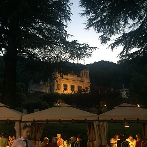 Bigio om aftenen - med udsigt til det gamle casino