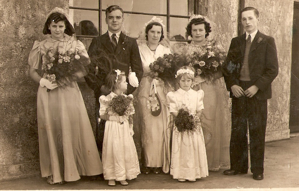 Mary&charles wedding 1942.jpg
