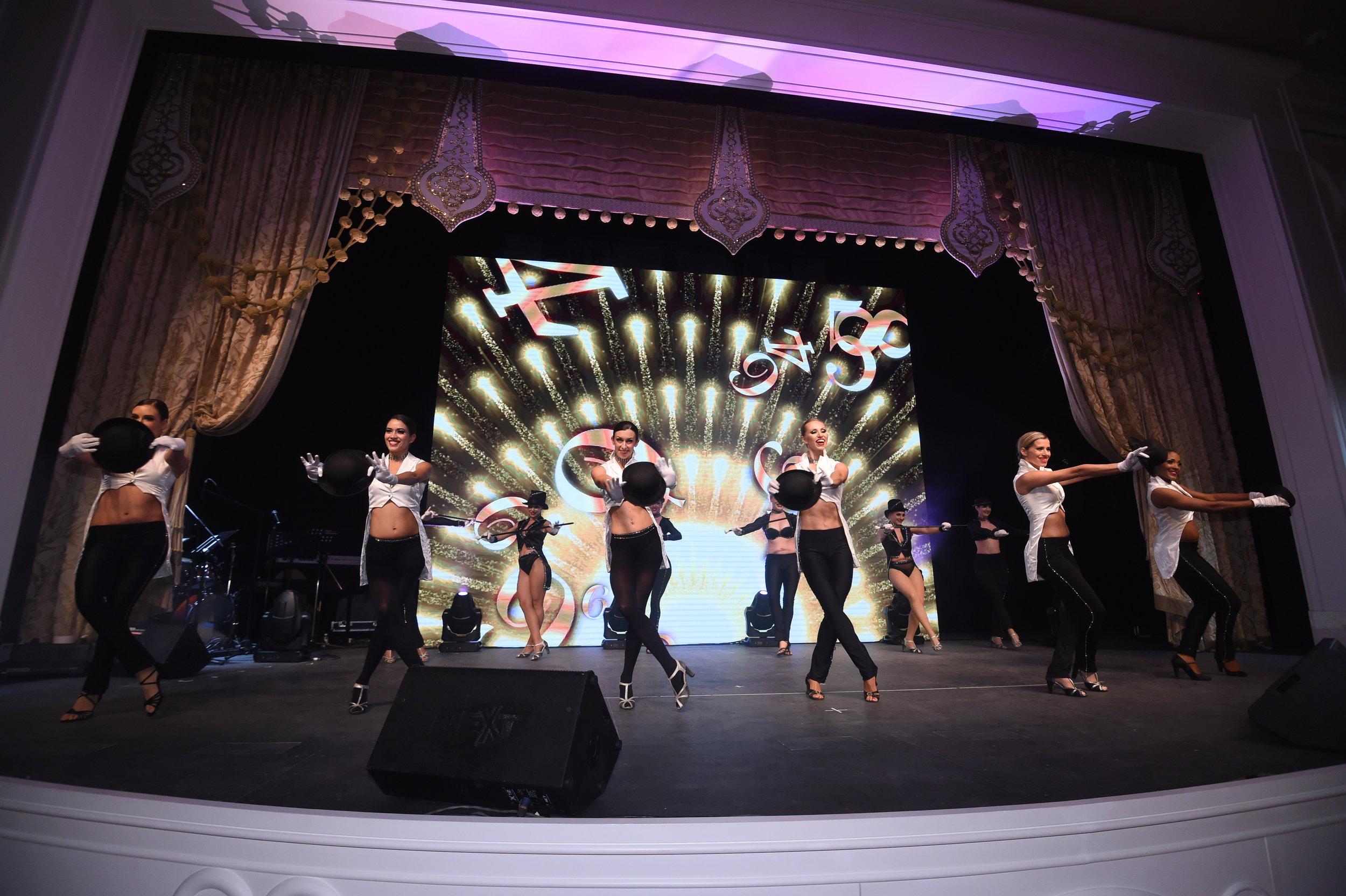52. FRANCK MULLER®安排拉斯維加斯百老匯式精彩舞蹈表演.JPG