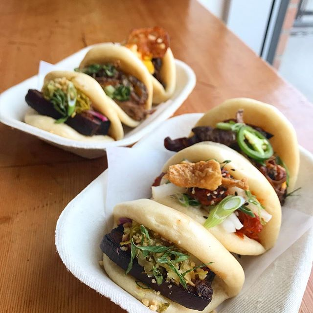T A C O  T U E S D A Y....the Taiwanese way 🙊 [ 📸: house-made steamed buns filled with braised pork belly, gochujang glazed chicken, spicy shaved beef shoulder, miso  mushrooms, roast duck. Just $3each]