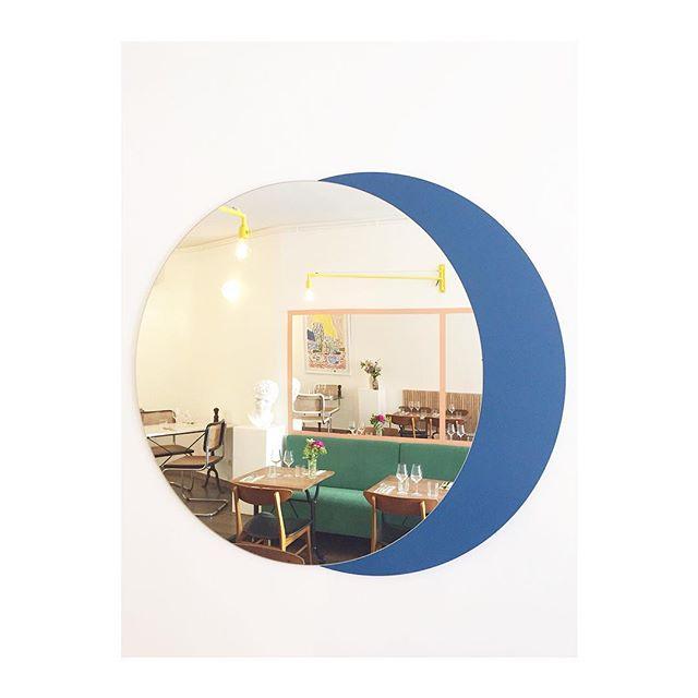 BON APPÉTIT • Bespoke mirror for @ourea_restaurant • #marseille #restaurant #interiordesign #miror #reflection #design #novaobiecta #contemporary #decoration