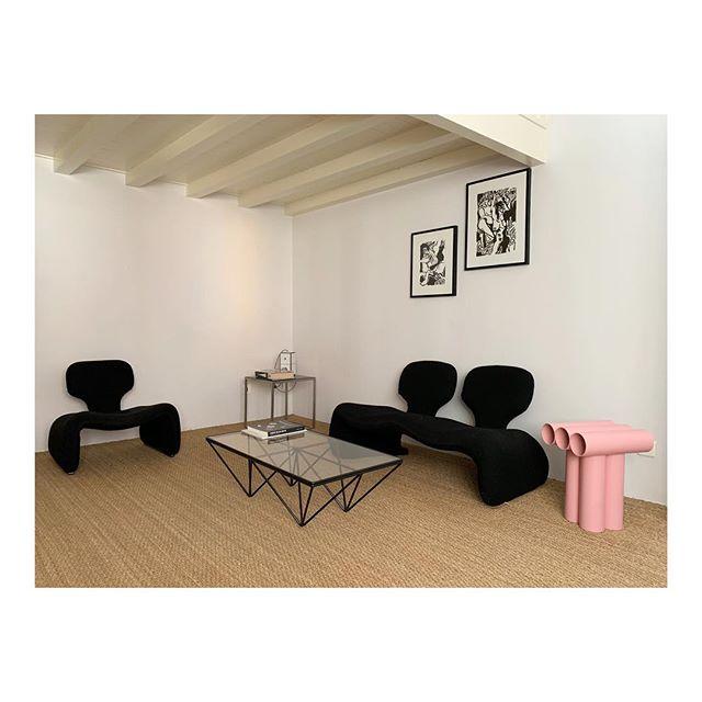CHAMBRE ARLÉSIENNE @vastehorizon • @lamarchandedes4saisons •  @elenasimon.drawings #vastehorizon #oliviermourgue #interiordesign #furniture #contemporarydesign #arles #maisondhotes