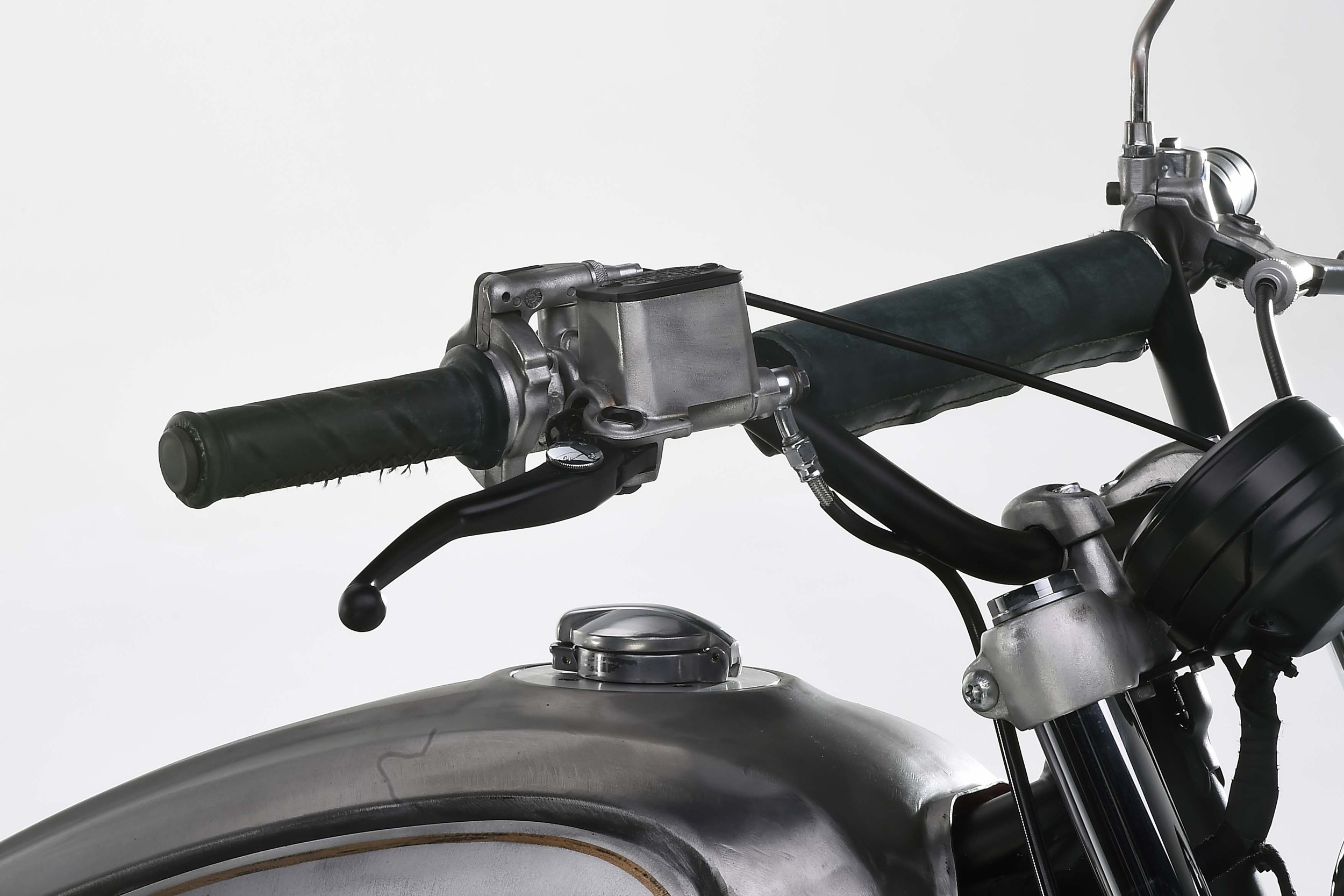 Ducati-Scrambler-Scratch-Concept-Officine-Mermaid-Dario-Mastroianni-03.jpg