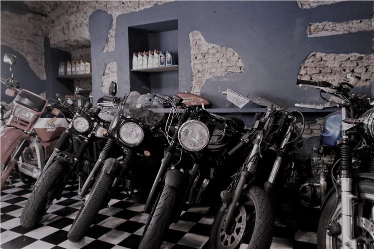 MOTOQUARTIERE MILÃO 2016 -   www.andardemoto.pt    Visitar Milão é quase um imperativo para qualquer motociclista. O mítico salão de motociclismo, a  EICMA , onde os mais importantes modelos de tod... Learn More