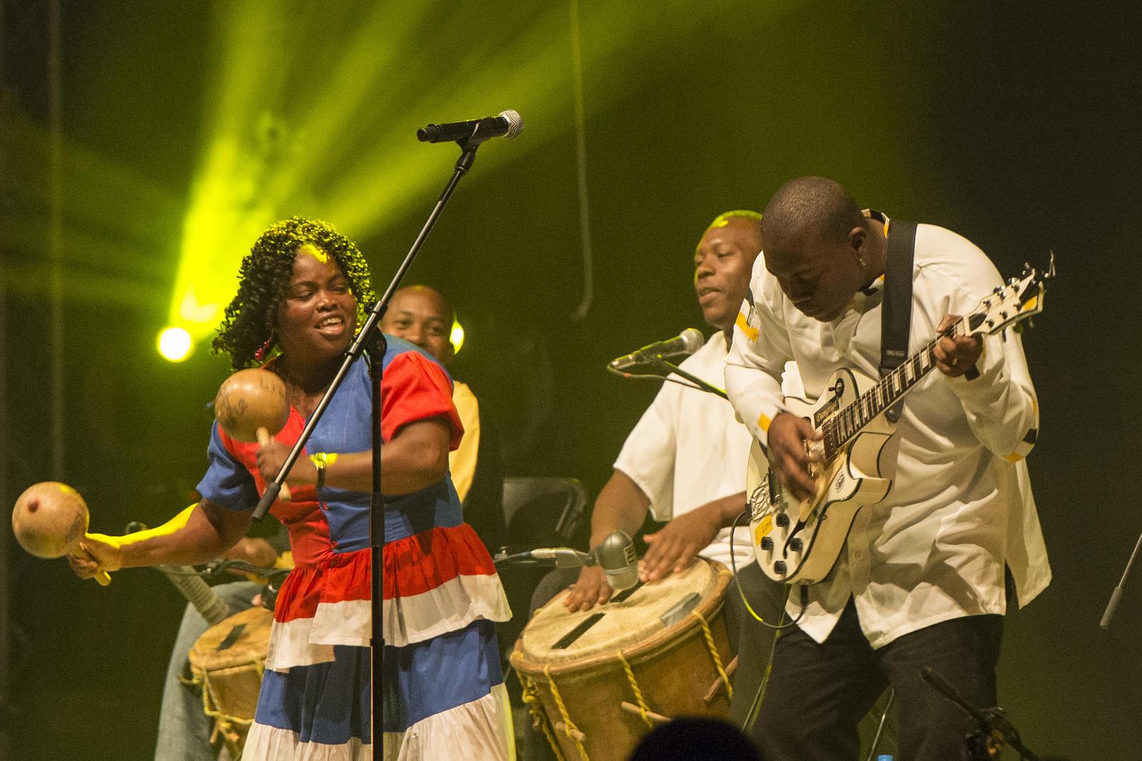 The Garifuna Collective - gar3299 - på scena.jpg