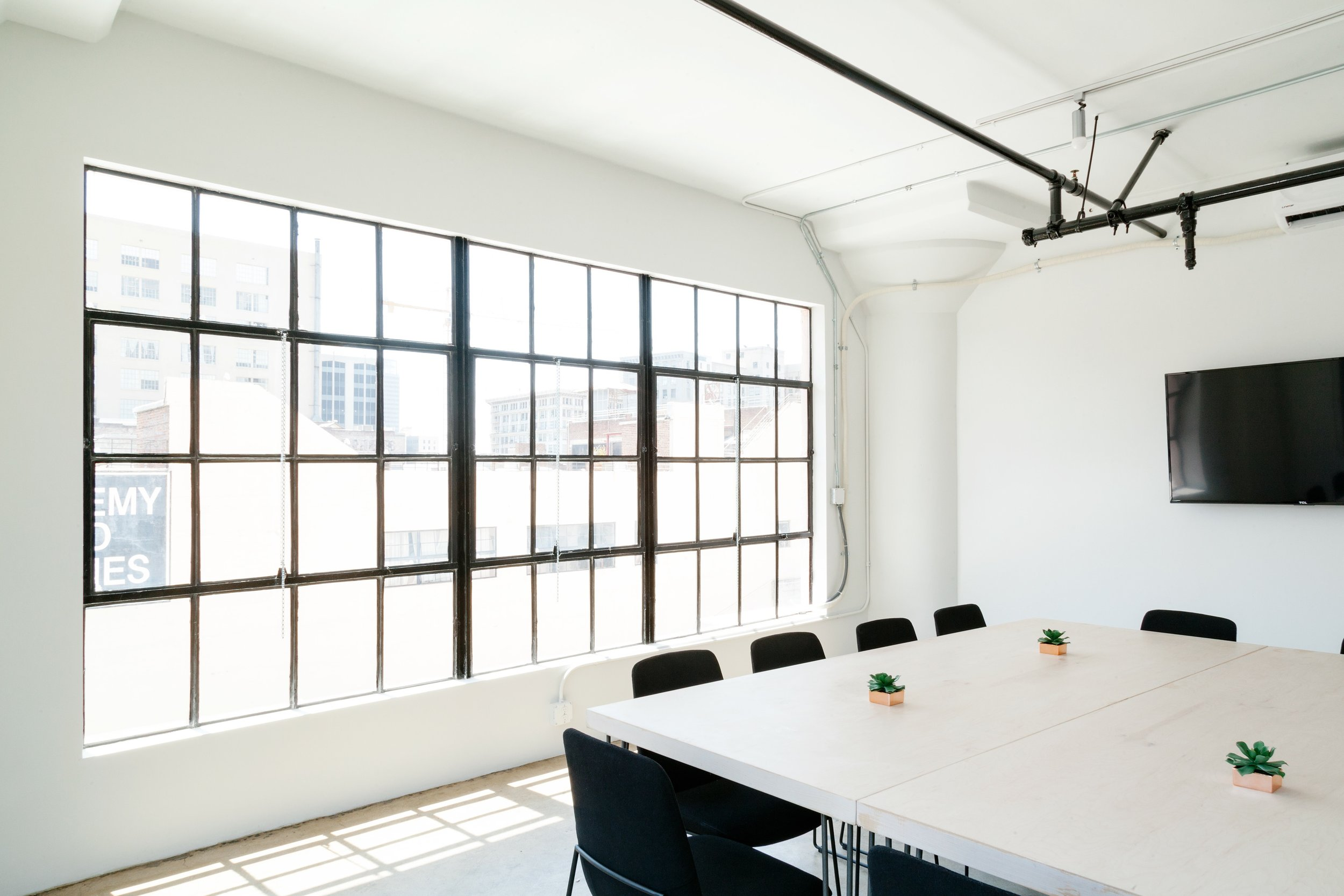 Natural light is one of the best ways to increase engagement in the workplace and meetings