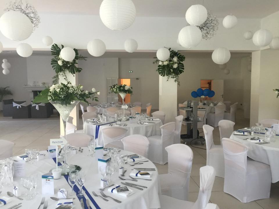 Lampions, rubans bleu blanc.jpg