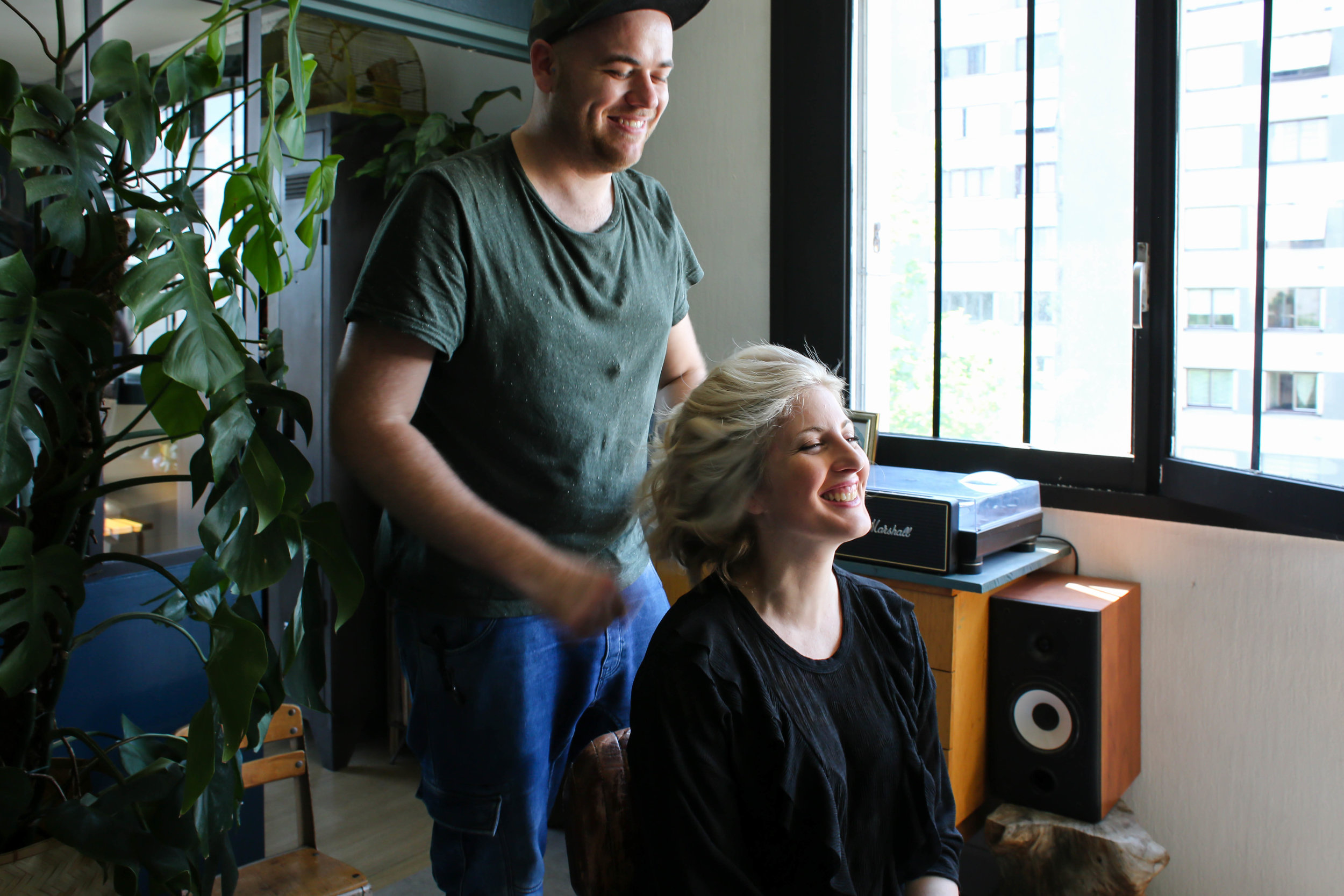Le blond polaire de Et Dieu Crea par un expert en cheveux bouclés