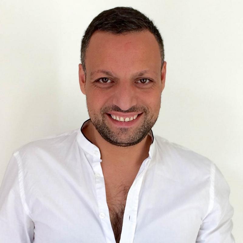 dalli - #friendlyPrestationCoupeCouleurEquipementsÉquipé d'un bac sur pied + gonflableProduits Christophe Robin