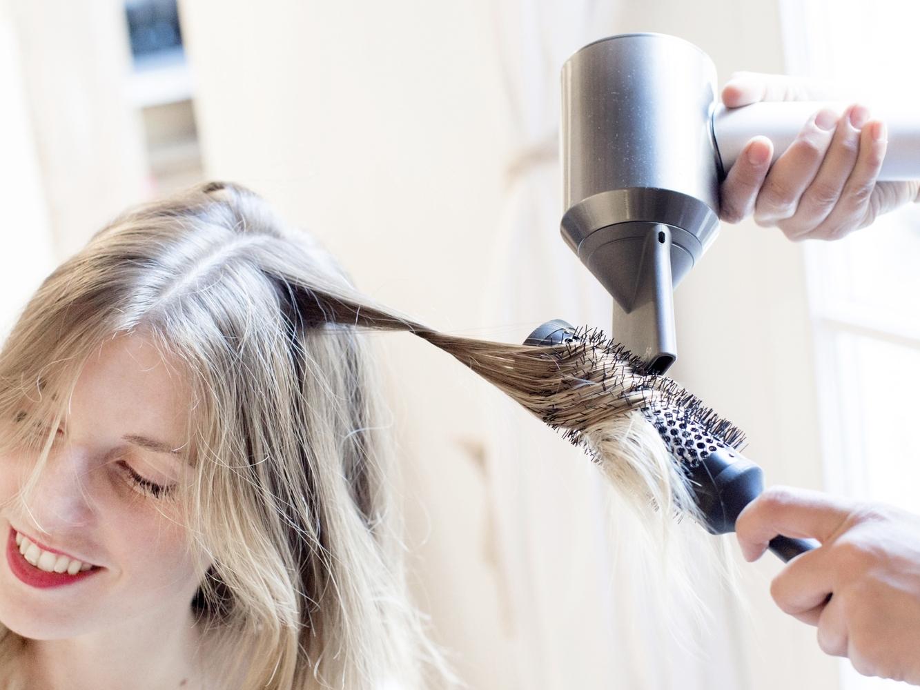ÉVÉNEMENTIEL - Nous proposons des animations sur-mesure pour vos événements :- Atelier coiffure (hair bar, bar à tresses, bar à chignons, etc.)- Atelier makeup- Atelier auto-coiffage