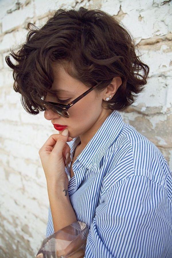 cheveux-boucles-courts