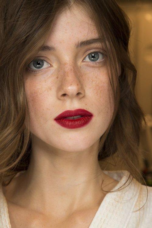 4 bonnes raisons de prendre une leçon de maquillage