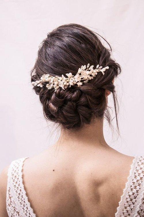 12 coiffures coups de coeur pour une mariée bohème