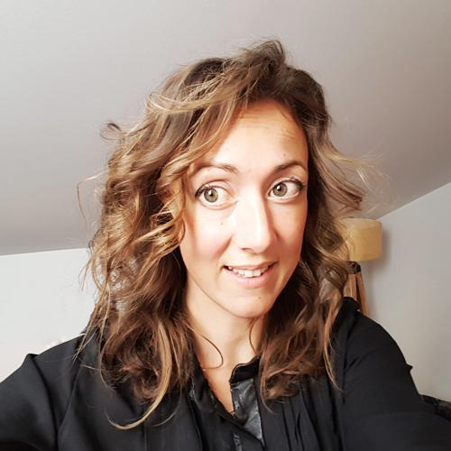 Coupe de cheveux long et boucle