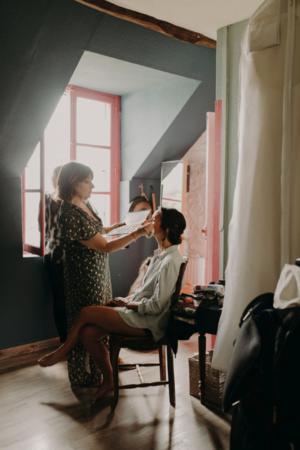 coiffure-maquillage-naturel-chignon-classique